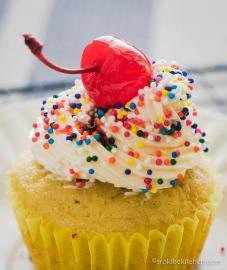 Banana Split Cupcakes-11