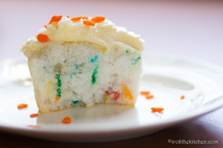 Superbowl Funfetti Cupcakes-10