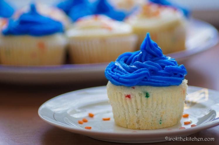 Superbowl Funfetti Cupcakes-13
