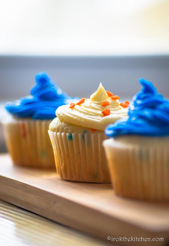 Superbowl Funfetti Cupcakes-14