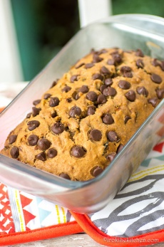 zucchini-chocolatechip-bread-2