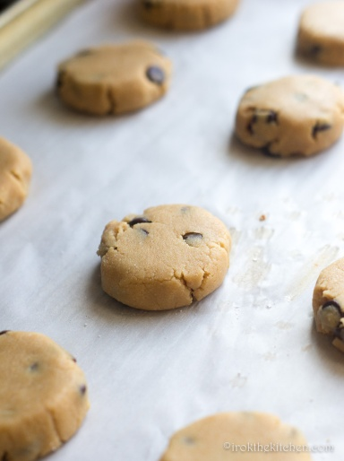gluten-free-peanut-butter-chocolate-cookies-3