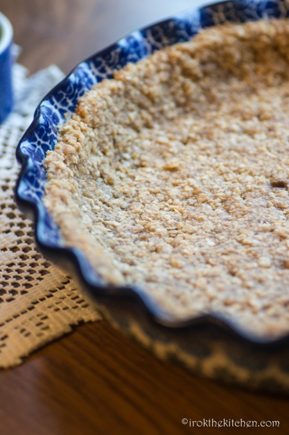 pumpkin-pie-with-oatmeal-cookie-crust-1